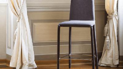 Barska stolica Dora