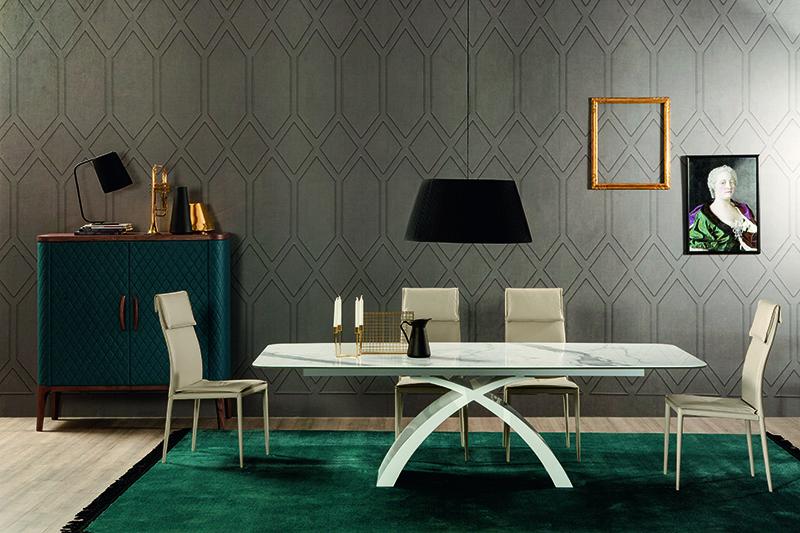 stolovi bela boja
