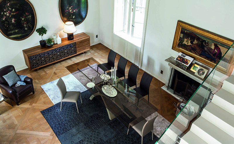 stakleni stolovi