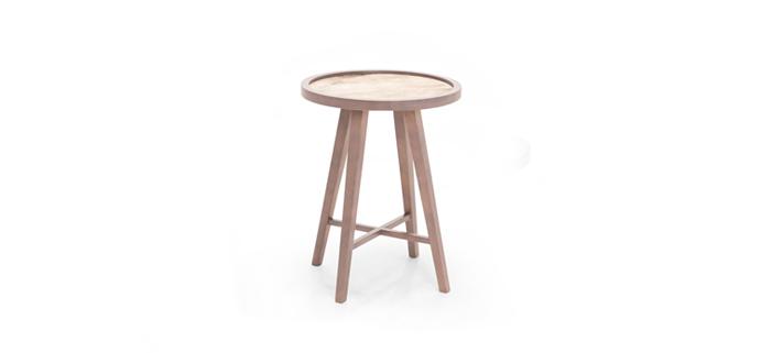 drveni klub sto